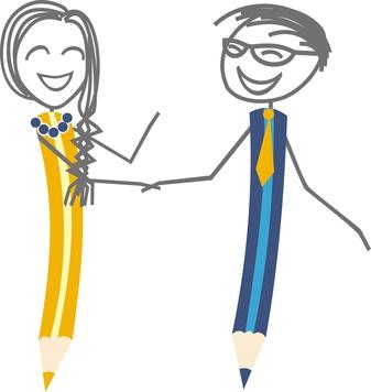 Un homme et une femme en forme de stylo, signent un contrat en se donnant un poigne de main